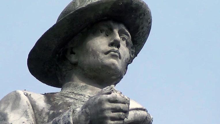 e662bd63-lake-eola-confederate-statue_1494561392100.jpg