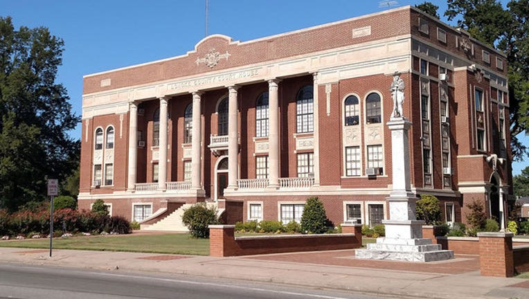3cf0bf48-lonoke-county-courthouse_1444686864740.jpg