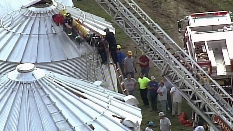 017e1c00-man-trapped-in-ohio-grain-silo_1559253318513.jpg