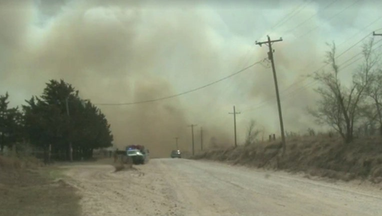 cf5d17f8-oklahoma-wildfires_1523647845779.jpg