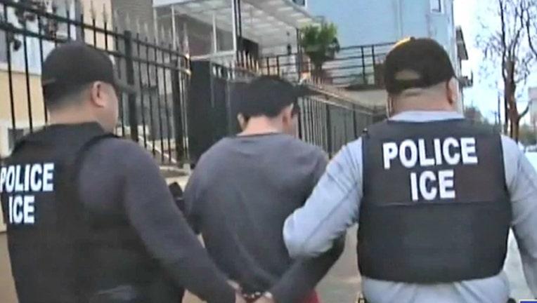 aff04df4-police ice raids_1562983960556.jpg-404023.jpg