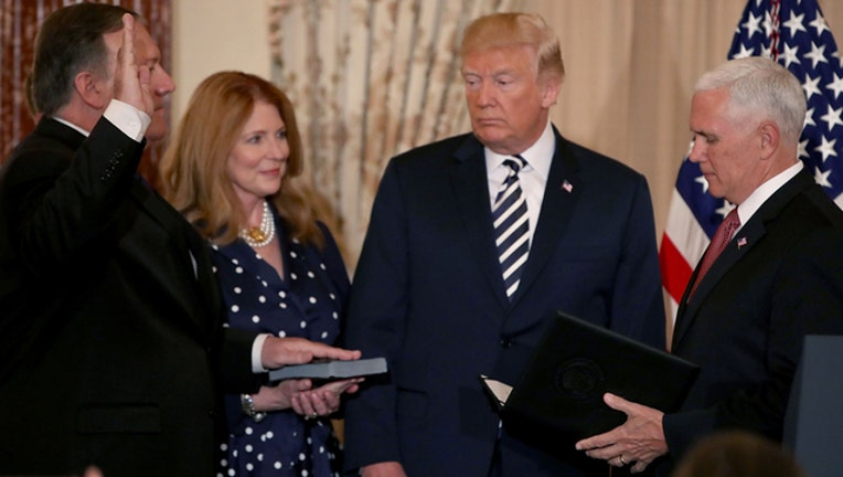 Pompeo sworn-in (GETTY IMAGES)-401720