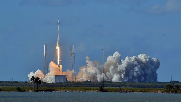 spacex-launch_1464389589785.jpg
