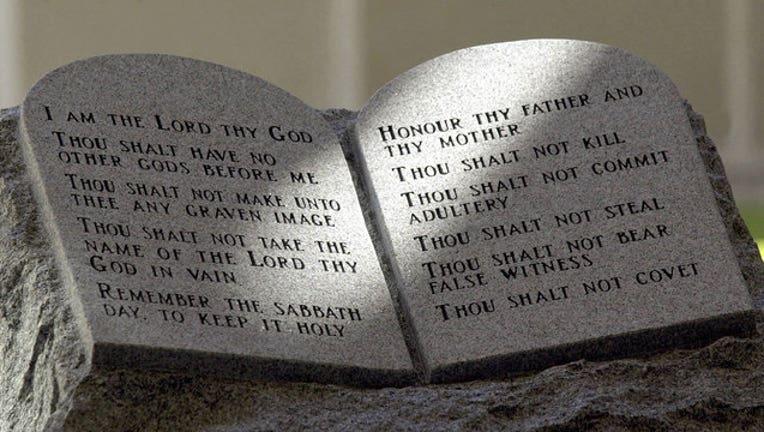 fa6c6eda-ten-commandments_1444247244975.jpg