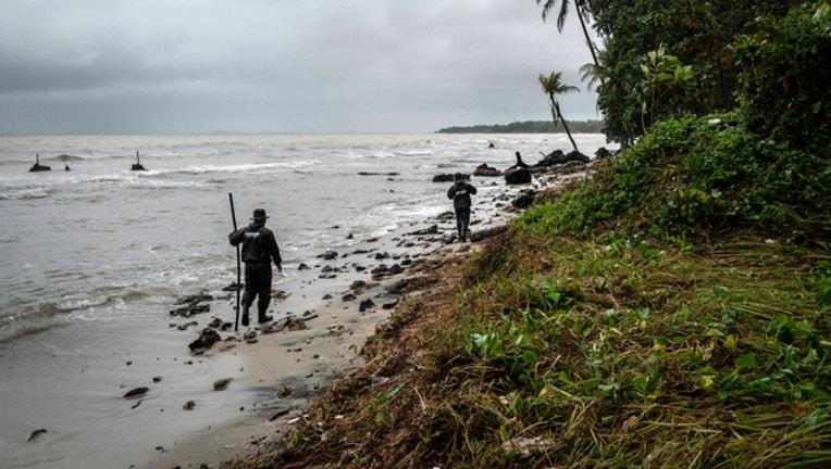 8031ebb3-tsunami coast warning GETTY_1545830932346.jpg-401720.jpg