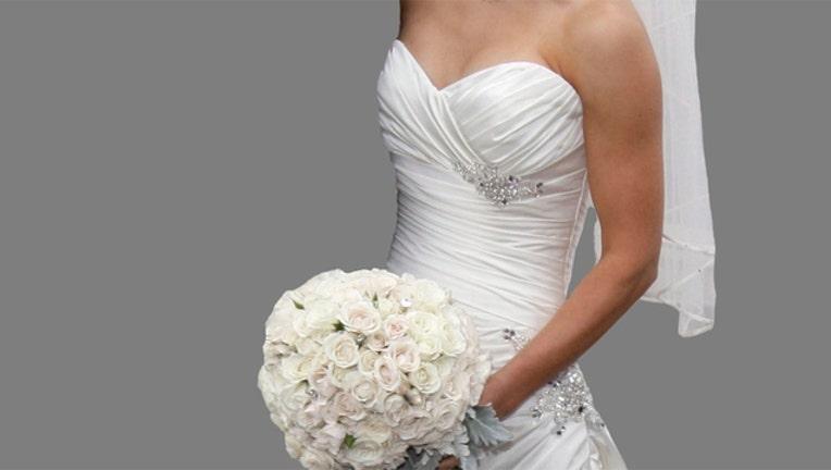 b884cf27-wedding-dress_1501604072079-402970.jpg
