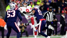 Patriots force 4 turnovers, beat Giants 35-14 to reach 6-0