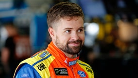 Stenhouse signs multiyear deal to drive for JTG Daugherty