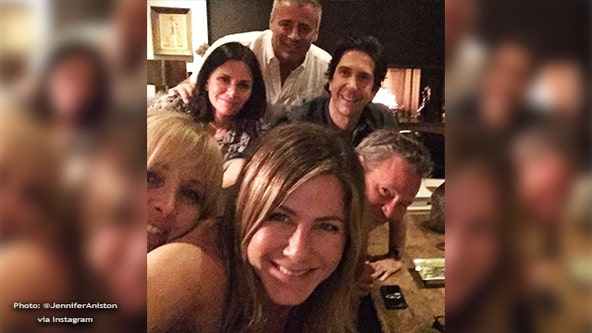 'Hi Instagram': Jennifer Aniston shares selfie of 'Friends' cast in debut Instagram post