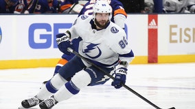 Kucherov scores, Lightning top Sabres 3-2 in Sweden