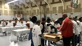 Salvation Army in Orlando gives out 20,000 Thanksgiving meals