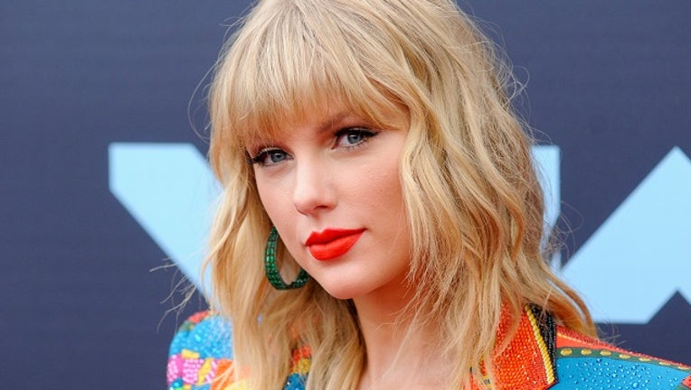Taylor Swift attends the 2019 MTV Video Music Video Awards held at the Prudential Center in Newark, NJ.