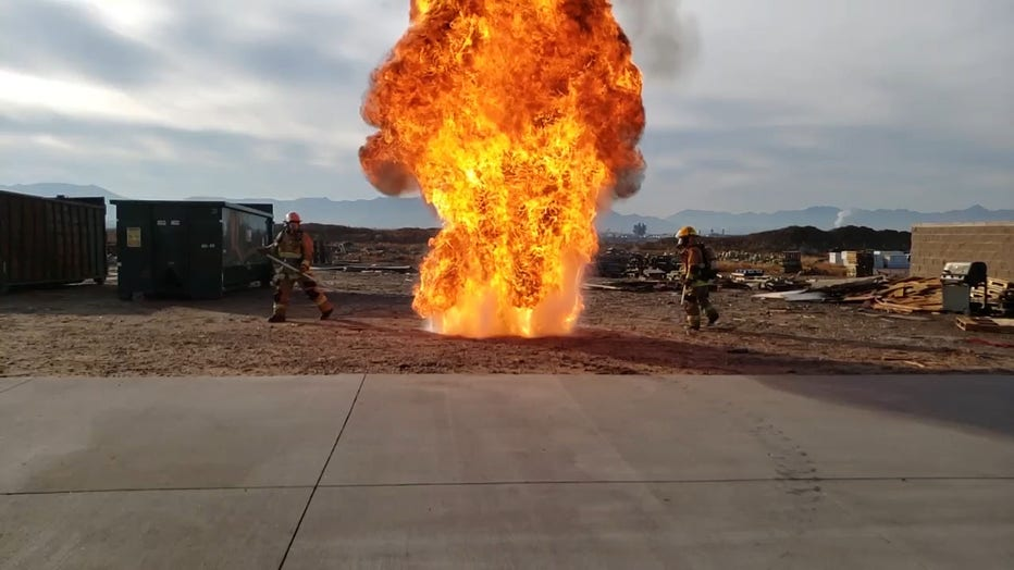 How Not To Fry A Turkey Firefighters Demonstrate