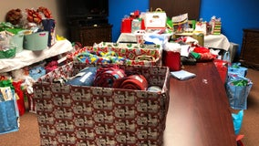 Meals On Wheels delivers Christmas gifts and food in Seminole County