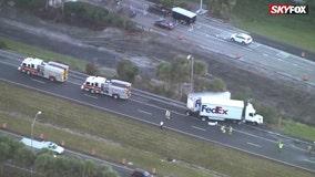 Jackknifed FedEx truck temporarily blocks off northbound lanes of S.R. 417 near Oviedo