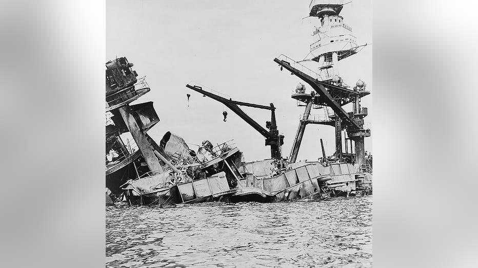 Wreckage-of-USS-Arizona___USNavy-e1575611434107.jpg