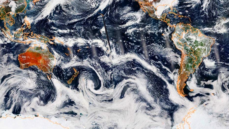 BushfireSmokeOverSA__NOAA.jpg