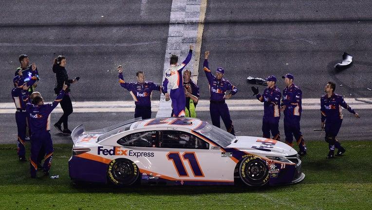 Denny Hamlin Wins The Daytona 500 For Second Year In A Row Fox