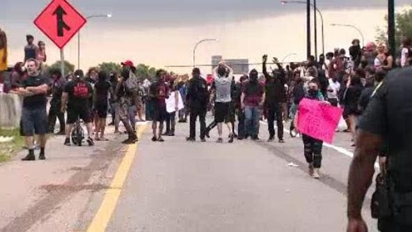 Orlando police say protesters gathered on S.R. 408