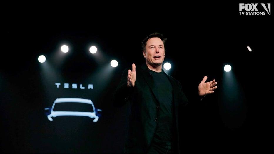 Tesla-CEO-Elon-Musk-speaks-before-unveiling-the-Model-Y.jpg