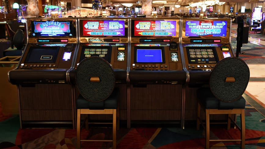 Las Vegas reopens from historic coronavirus casino closure