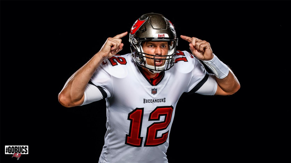 tom-abrady-in-bucs-uniform.jpg