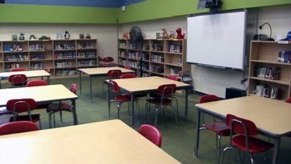Central Florida parents struggle to choose back to school plan