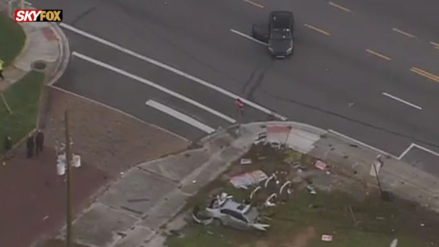 Fatal crash shuts down Colonial Dr. between Mills Ave. and Summerlin Ave. in Orlando, police say