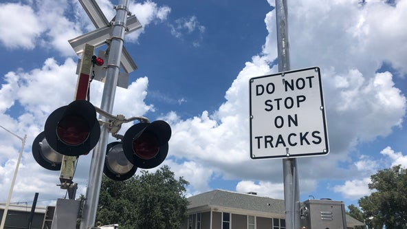 New railroad safety measures being tested at Colonial Drive crossing