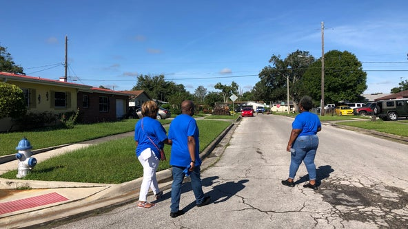Census volunteers canvas Orlando neighborhood