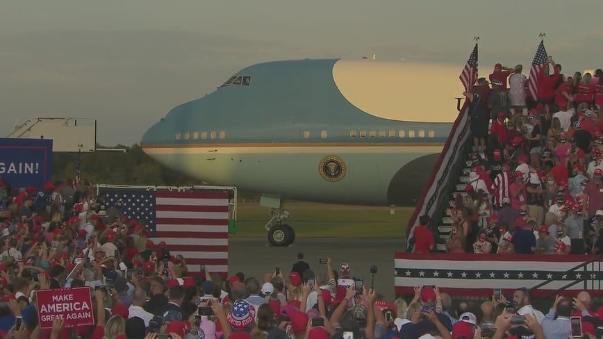President Trump arrives in Florida for campaign rally