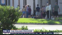 Polling data shows presidential race close in Florida