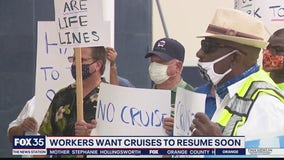 Workers want cruises to resume