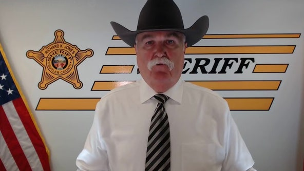 Ohio sheriff offers to help celebrities leave U.S. if Trump is re-elected