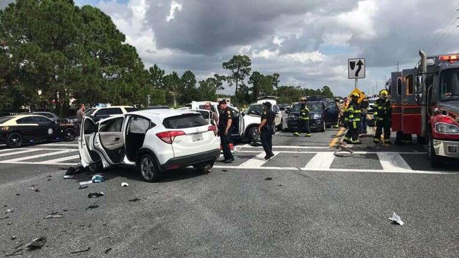 een burglary suspects lead police on I-4 chase, starting in Tampa and ending in crash near Orlando