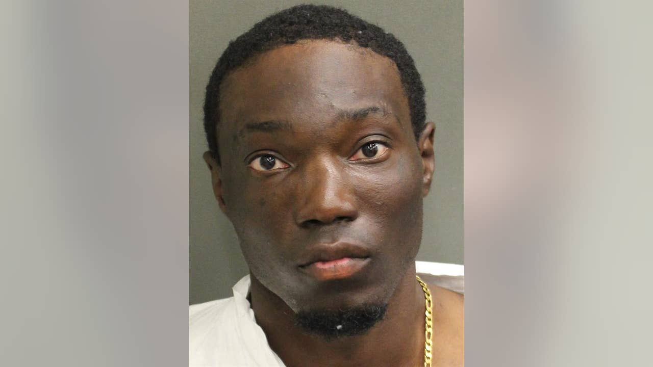 Man accused sexually battering woman, kidnapping her from Orlando apartment complex