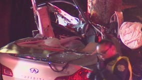 Police: 2 dead, 2 in critical condition after car crashes into tree