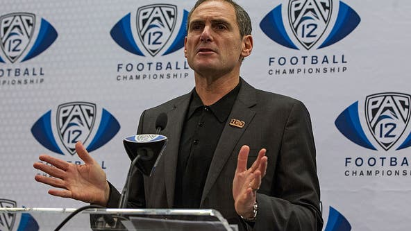 Pac-12 commissioner Larry Scott to step down after June 2021