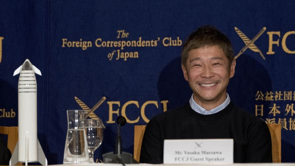 Japanese billionaire seeks volunteers for SpaceX flight around the moon