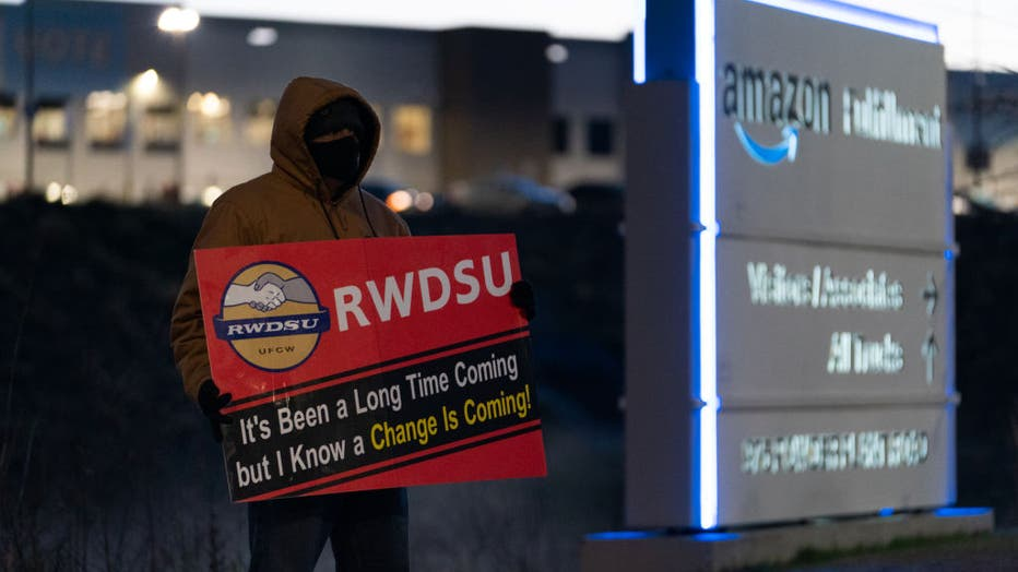 Union Push At Amazon Warehouse In Alabama Reaches Final Day Of Vote