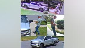 Winter park police search for burglary suspect