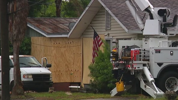 Police: Driver killed after crashing into Orange County home