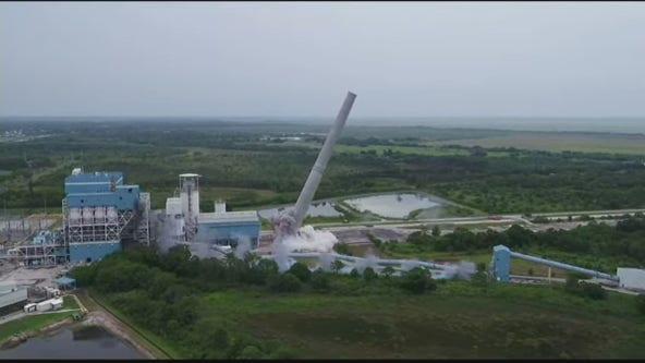 WATCH: Florida utility demolishes 495-foot coal chimney