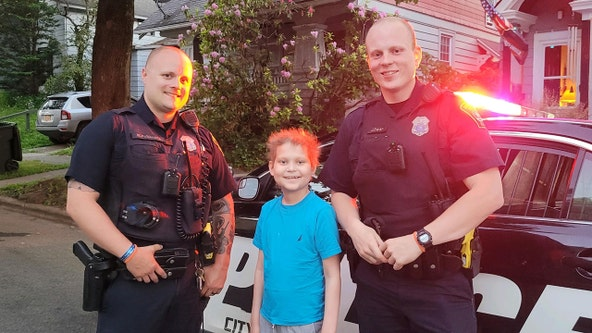 Cops let boy whose cancer is in remission use police car siren