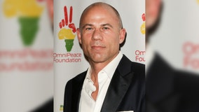 Attorney Michael Avenatti gets 2 1/2 years in prison for Nike extortion