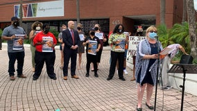 Teachers union rallies at Orange County Public Schools headquarters in favor of mask mandate