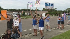 Parents rally for, against mask mandates ahead of Lake County School Board meeting