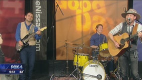 Texas band 'The Iveys' performs on Good Day