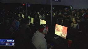 Massive gaming convention resumes in Dallas after Friday bomb scare