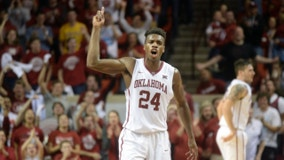 Hield, Sooners face former Big 12 foes Aggies in Sweet 16